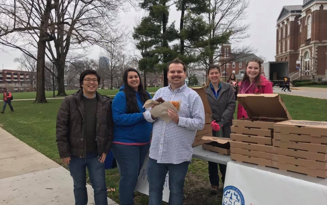 Graduate Student Congress hands out donuts as part of #gradstudentappreciationweek